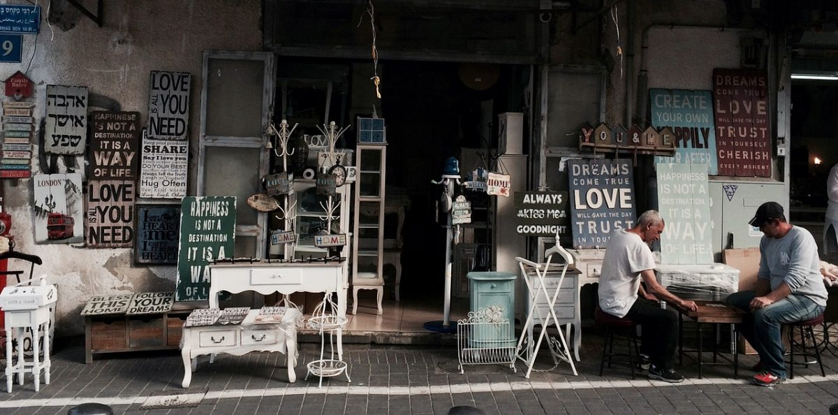 Keeping Your Storefront Clean and Inviting to Customers